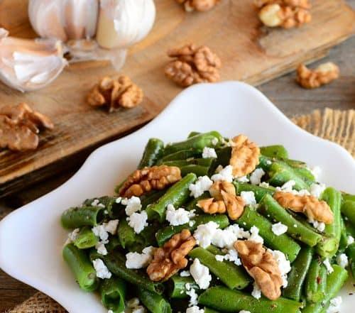 Grüner Bohnensalat mit Schafskäse und Walnüssen Rezept