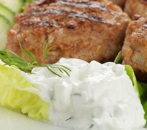 Fleischpflanzerl mit Kräuterquark Rezept