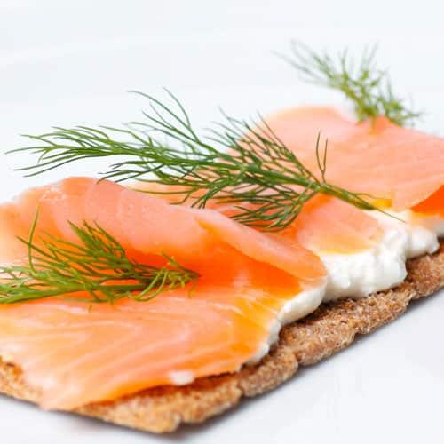 Knäckebrot mit geräuchertem Lachs Stoffwechselkur Rezept zum Frühstück